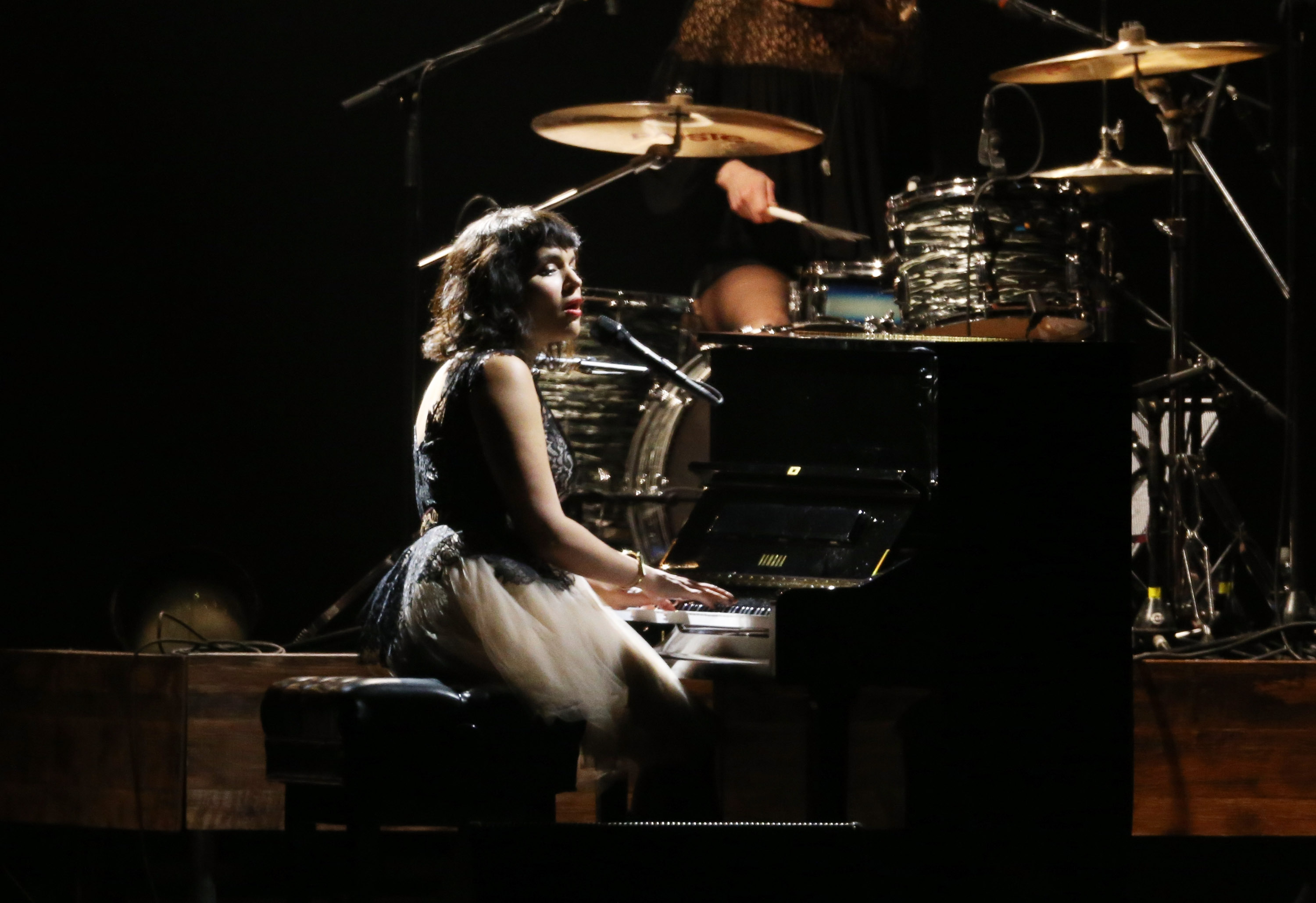 LOS ANGELES, CA - FEBRUARY 06:  Norah Jones performs onstage during the 2015 MusiCares Person of The Year honoring Bob Dylan