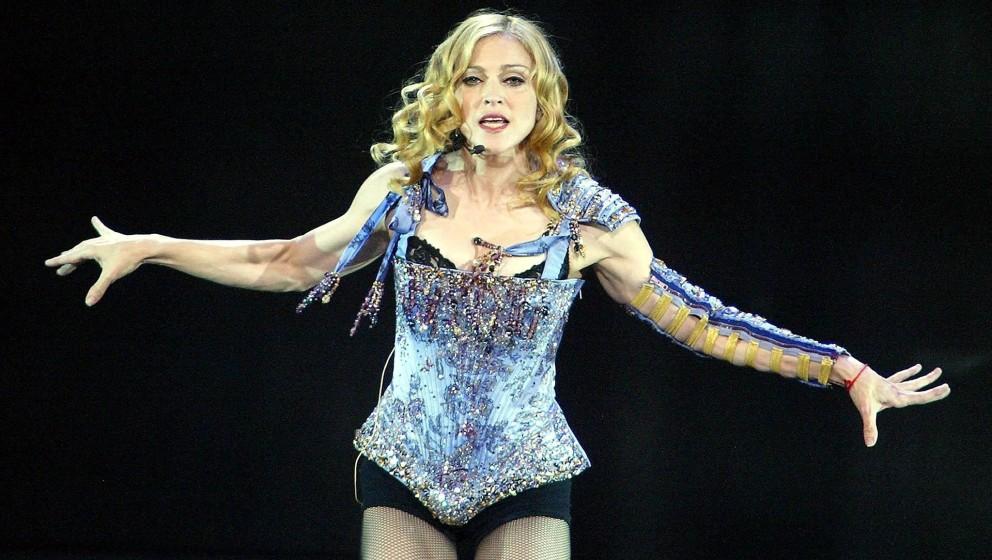 US-Sängerin Madonna bei ihrem Konzert am 14.08.2004 in Manchester. Madonna hat zum Auftakt ihrer «Re-Invention»- Europatou