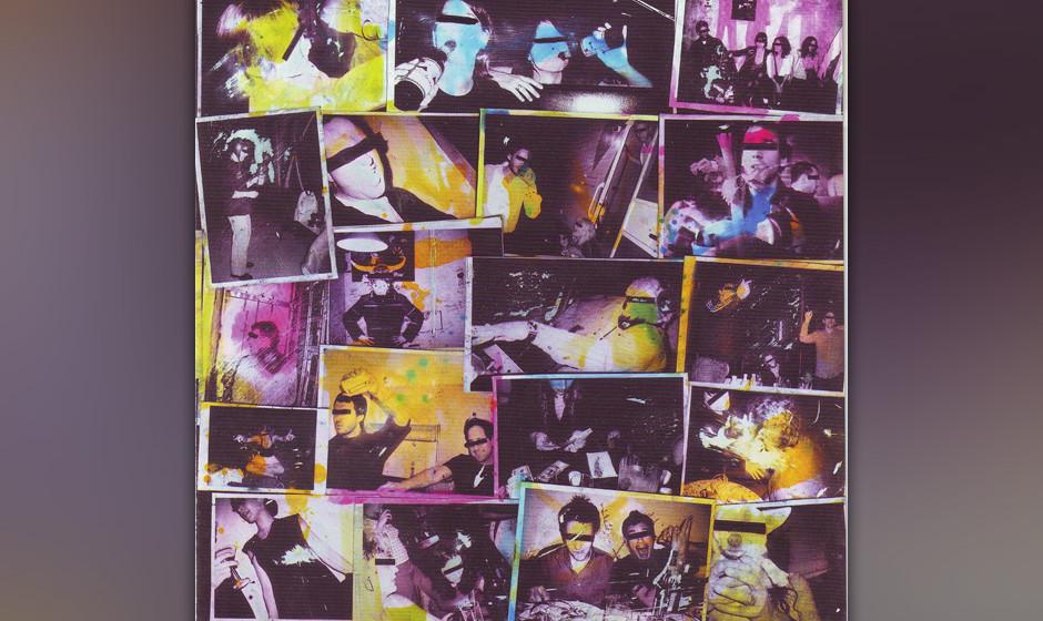 99. The Hold Steady, 'Almost Killed Me'.  Diese Brooklyner Bar-Band überraschte die Welt über Nacht. Riffs wie aus den Sieb