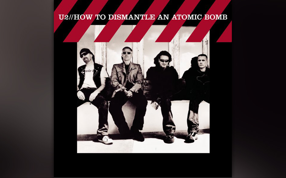 68. U2, 'How to Dismantle an Atomic Bomb'  'All That You Can't Leave Behind' von 2000 klang noch recht reduziert – dann ka