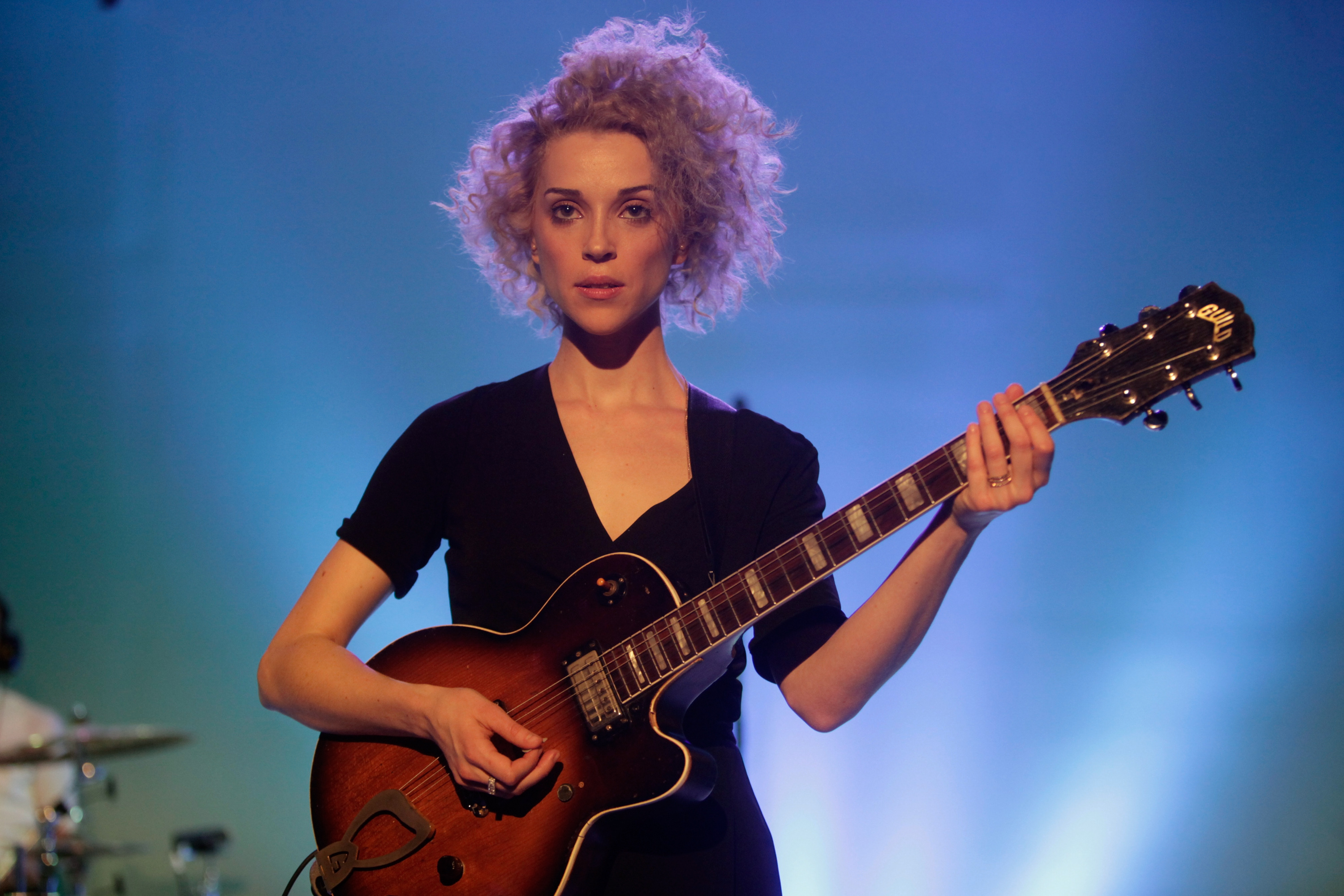 NEW YORK, NY - FEBRUARY 09: Singer/musician St. Vincent performs at the American Express UNSTAGED Fashion with DVF at Spring