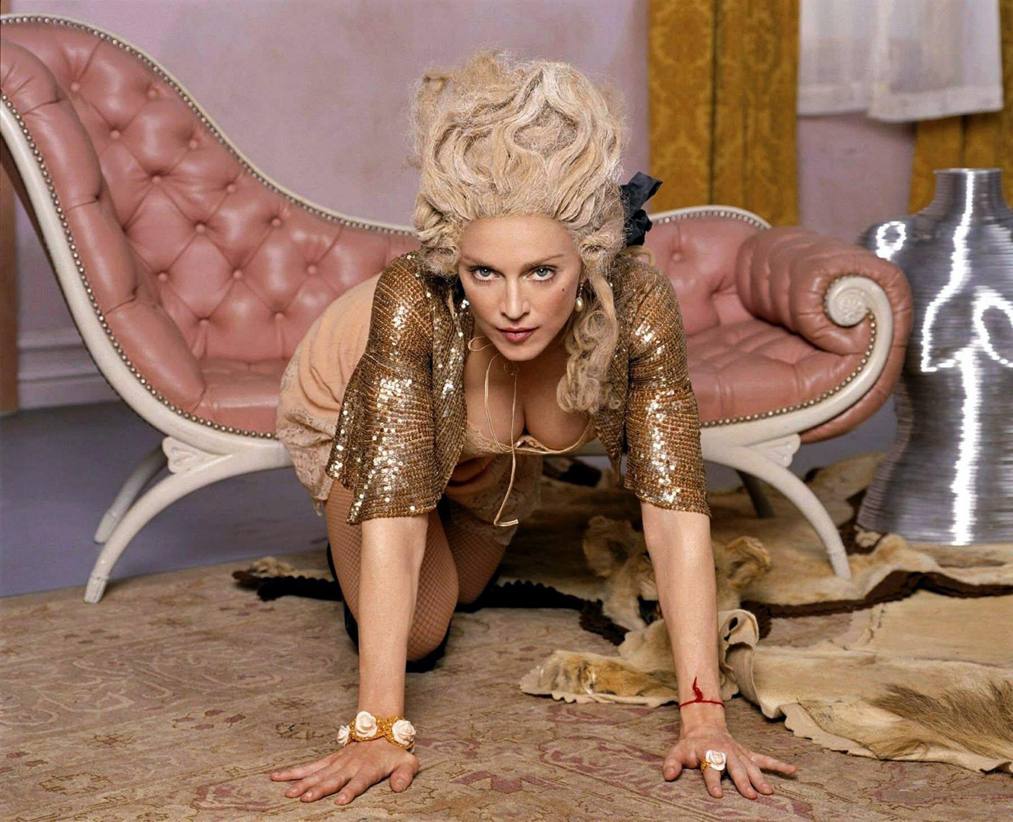 Das am 22.3.2004 undatierte MBC-Handout zeigt Madonna, die für ihre re-invention-Tournee in diesem Sommer wirbt. Nach einer