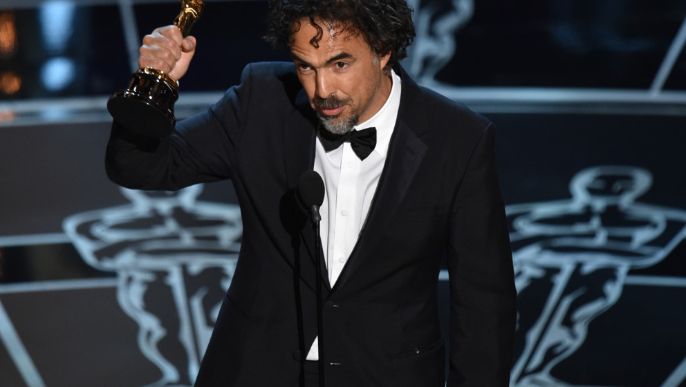 Alejandro G. Inarritu accepts the award for best director for ¿Birdman or (The Unexpected Virtue of Ignorance)¿ at the Osca