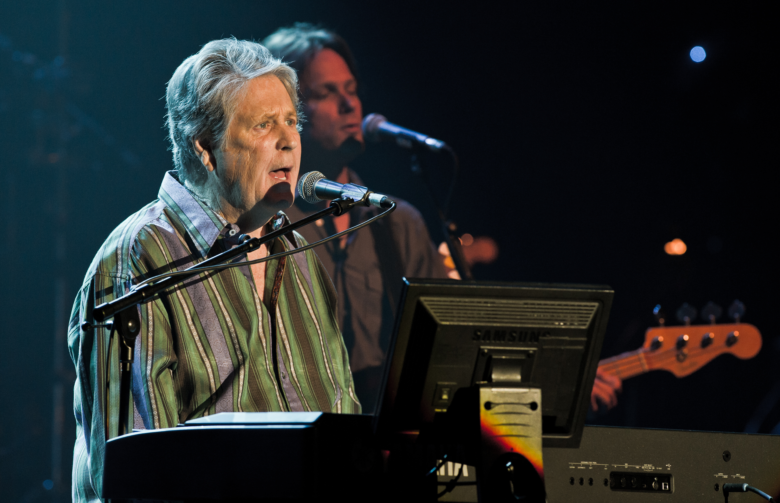 PARIS, FRANCE - SEPTEMBER 20:  Brian Wilson performs at Le Casino de Paris on September 20, 2011 in Paris, France. (Photo by