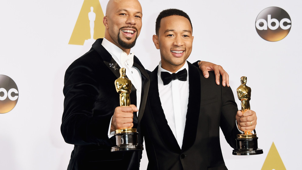 HOLLYWOOD, CA - FEBRUARY 22:  Lonnie Lynn aka Common (L) and John Stephens aka John Legend winners of the Best Original Song