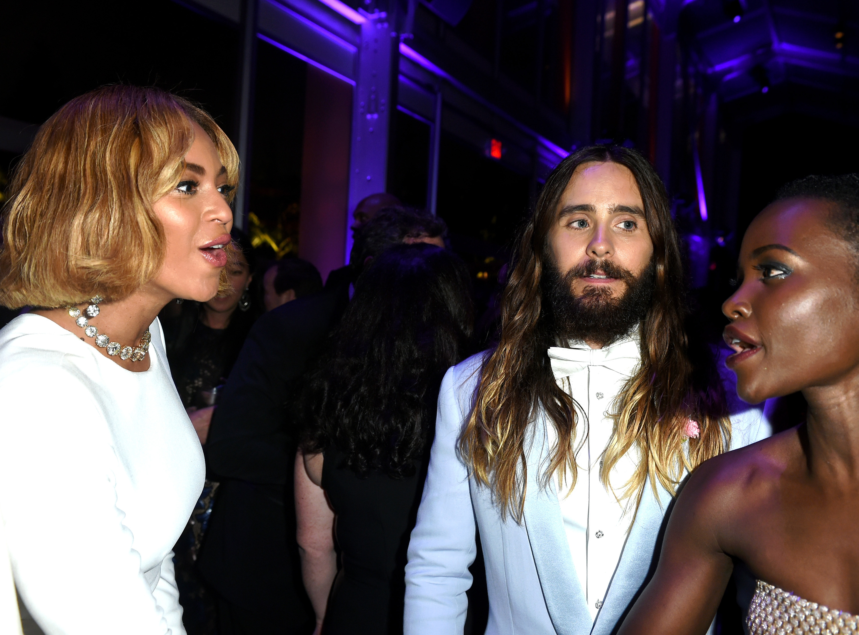 BEVERLY HILLS, CA - FEBRUARY 22:  (EXCLUSIVE ACCESS, SPECIAL RATES APPLY) (L-R) Recording artist Beyonce, actor Jared Leto an