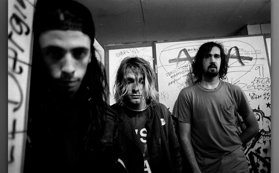12-11-1991 FrankfurtNirvana. Left to right Dave Grohl (drums), Kurt Cobain (vocals/guitar) and Krist Novoselic (bass). Grung