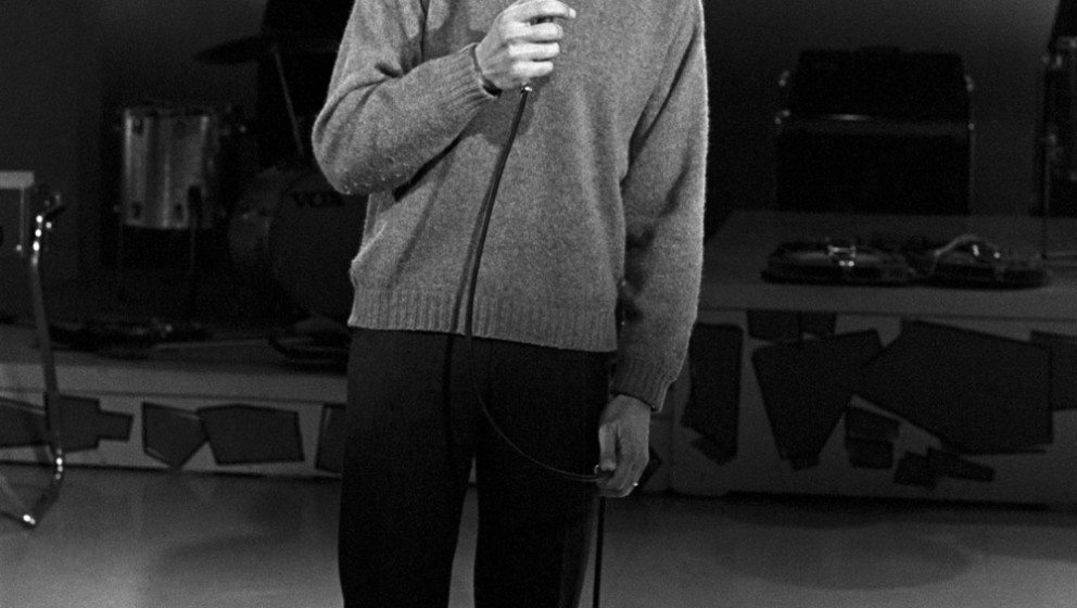 LOS ANGELES - JANUARY 2:  Actor turned singer Leonard Nimoy performs on 'The Dick Clark Show' on January 2, 1968 in Los Angel
