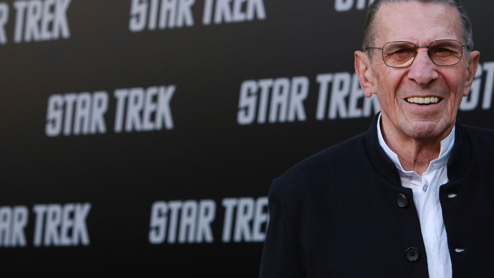 HOLLYWOOD - APRIL 30: Leonard Nimoy arrives at the Los Angeles premiere of 'Star Trek'  at the Grauman's Chinese Theater on A