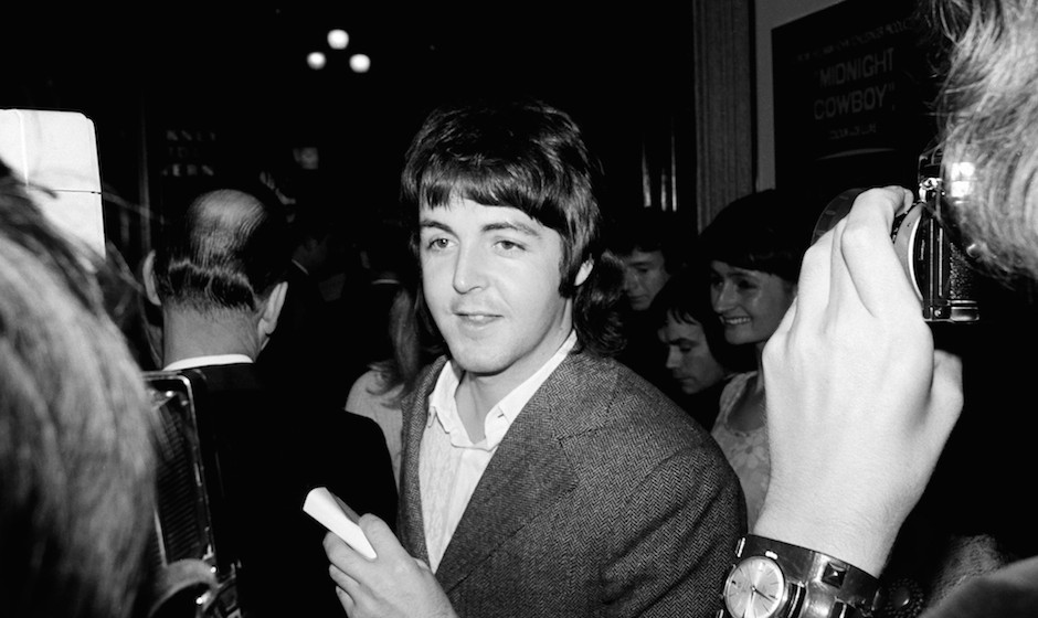 UNITED KINGDOM - SEPTEMBER 25:  Photo of Paul McCARTNEY and BEATLES; Paul McCartney at the opening of 'Midnight Cowboy  (Phot
