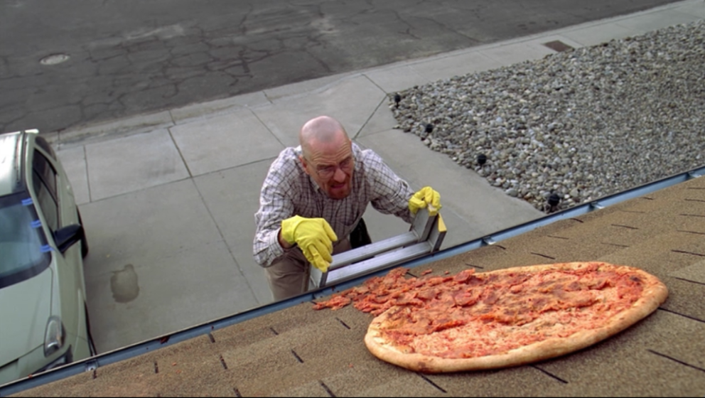 "Walter White (Bryan Cranston) mit seiner ""Breaking Bad""-Pizza"