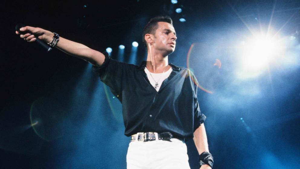 Depeche Mode David Gahan live at Nippon Budokan, Tokyo, September 11, 1990. (Photo by Koh Hasebe/Shinko Music/Getty Images)