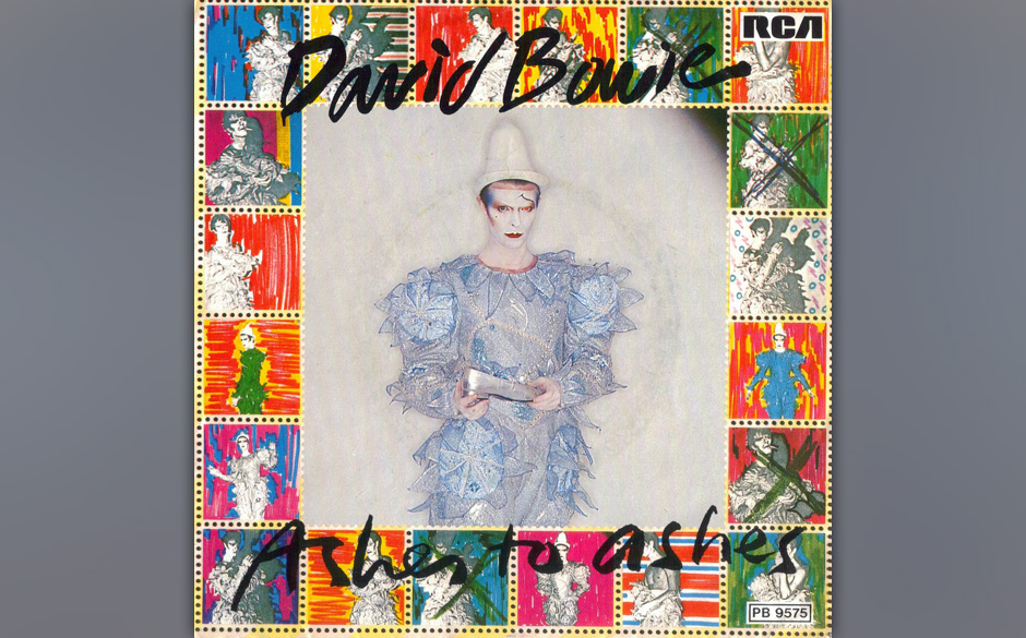 17. Ashes To Ashes.  Wie über dem eigenen Krankenbett schwebend reflektierte Bowie sein Schaffen und die eben nur knapp übe