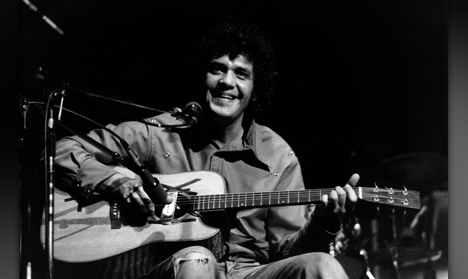 UNITED STATES - JANUARY 01:  Photo of Mike BLOOMFIELD; performing live on stage,  (Photo by David Redfern/Redferns)