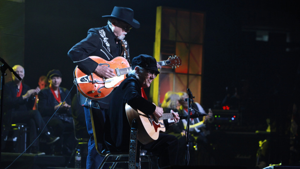 NASHVILLE, TN - JANUARY 28: Duane Eddy and Corki Casey O'Dell perform during the 2014 Musicians Hall of Fame Induction Ceremo