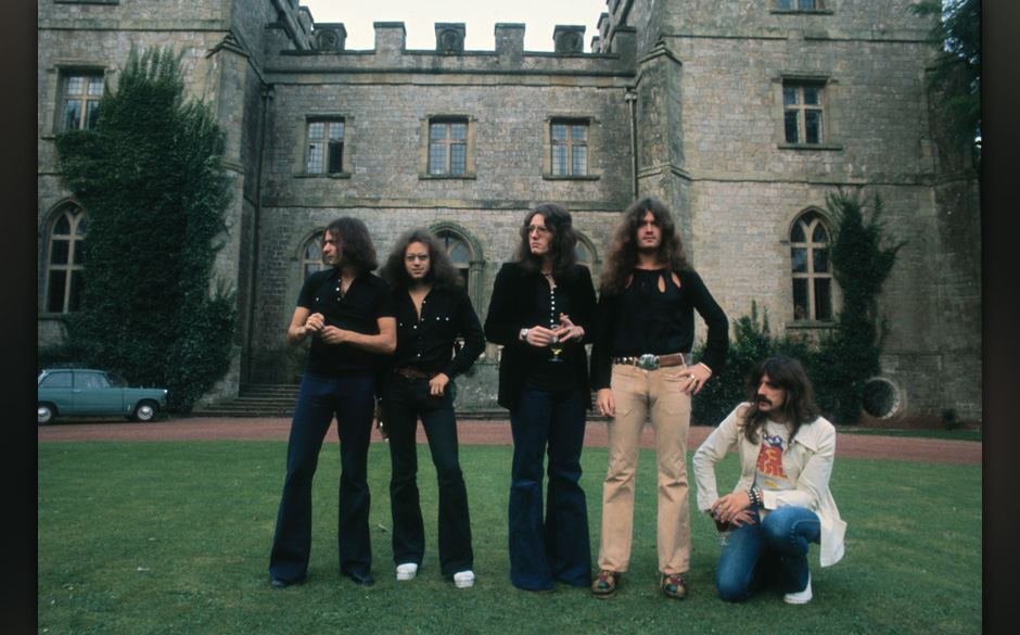 British heavy metal band Deep Purple, circa 1970. The band includes guitarist Ritchie Blackmore, drummer Ian Paice, singer Da