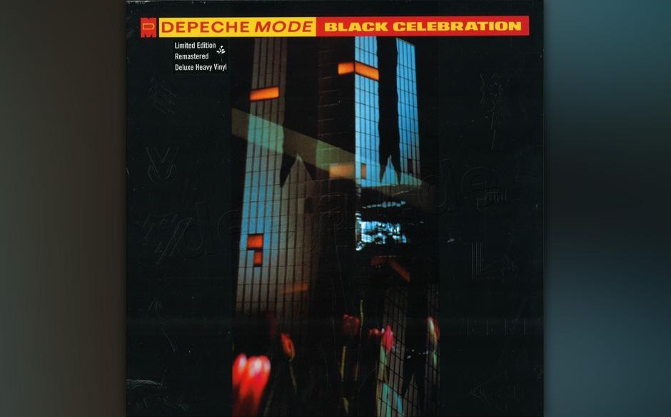 """38. Black Celebration. Im Gegensatz zur Singleauskopplung """"Stripped"""" glänzt der Titelsong aus dem Frühjahr 1986 nicht m"""