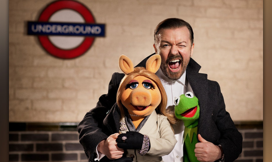 'Muppets: Most Wanted'. Die Stoff-Truppe auf Tour in London. Ricky Gervais is amused.