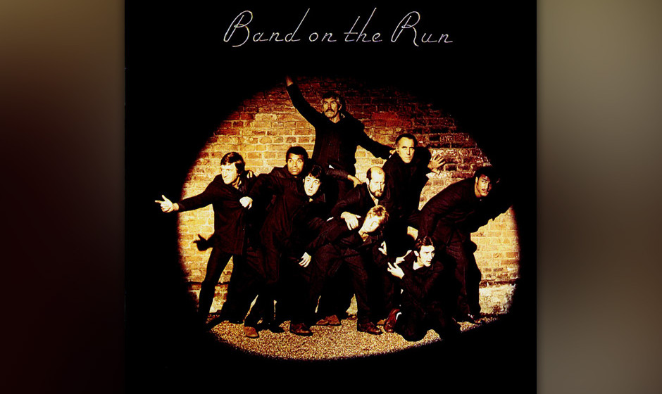 418. Band On The Run: Paul McCartney And Wings (1973). Um dieses Album aufzunehmen, fuhren die Wings sieben stressgeplagte Wo