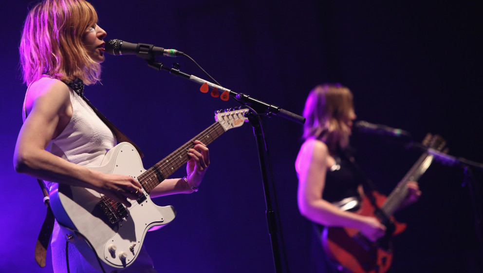 BERLIN, GERMANY - MARCH 18:  Carrie Brownstein (L) and Corin Tucker of Sleater-Kinney perform during a concert at Huxleys Neu