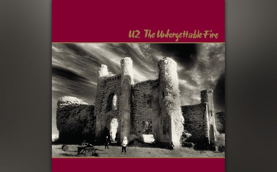 """8. 'A Sort Of Homecoming'. Der atmosphärisch dichte Auftakt von """"The Unforgettable Fire"""", spürbar von der Produktion vo"""