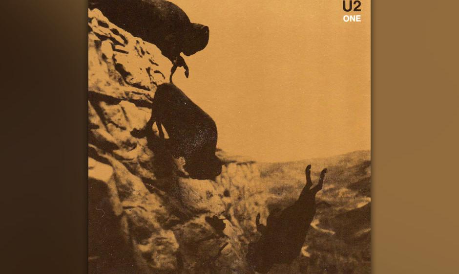 4. 'One'. Vielleicht das berühmteste Stück von U2, das auf einer schlichten, aber zwingenden Akkordfolge von The Edge basie