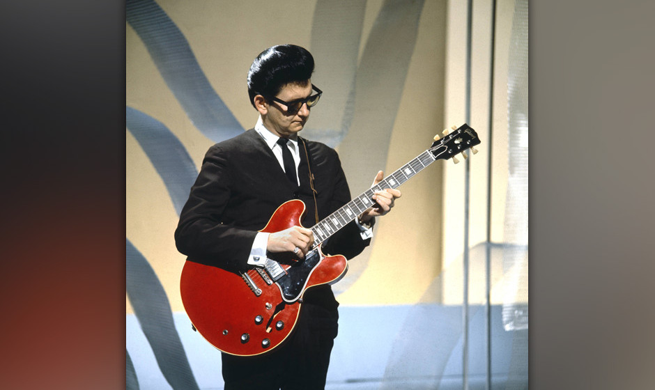UNITED KINGDOM - FEBRUARY 01:  THANK YOUR LUCKY STARS  Photo of Roy ORBISON, performing on TV show, playing Gibson ES-335 gui