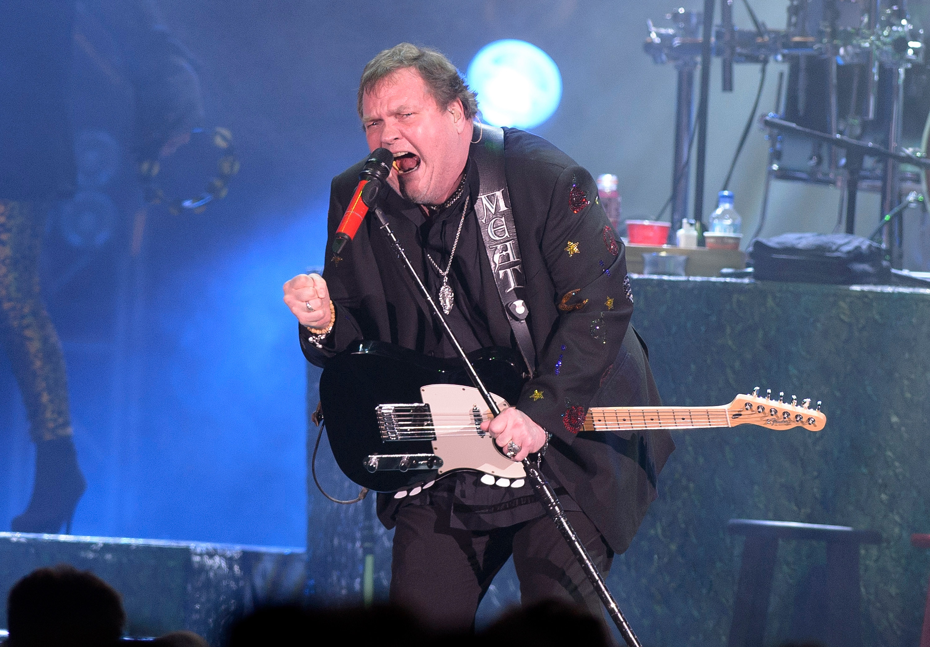 MUNICH, GERMANY - APRIL 30: Meat Loaf performs on stage at Olympiahalle on April 30, 2013 in Munich, Germany. (Photo by Stefa