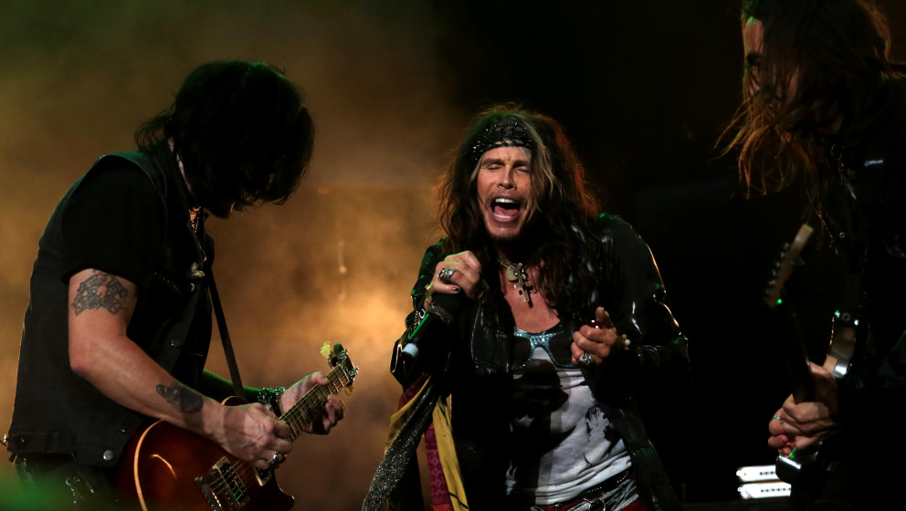 CAPE TOWN, SOUTH AFRICA  DECEMBER 3 (SOUTH AFRICA OUT): Steven Tyler performs with Kings of Chaos on December 3, 2014 in Cape