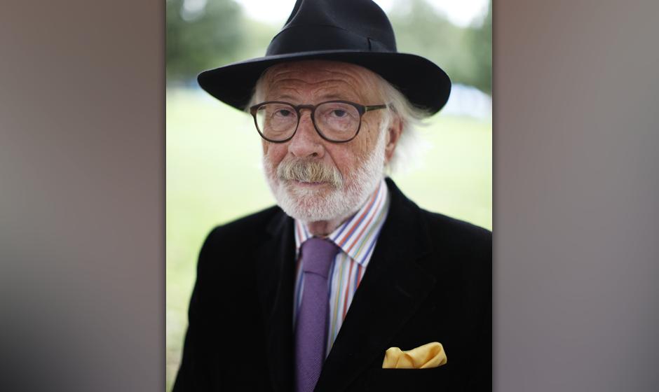 Fritz J. Raddatz (* 3. September 1931 in Berlin; † 26. Februar 2015 in Pfäffikon, Schweiz)