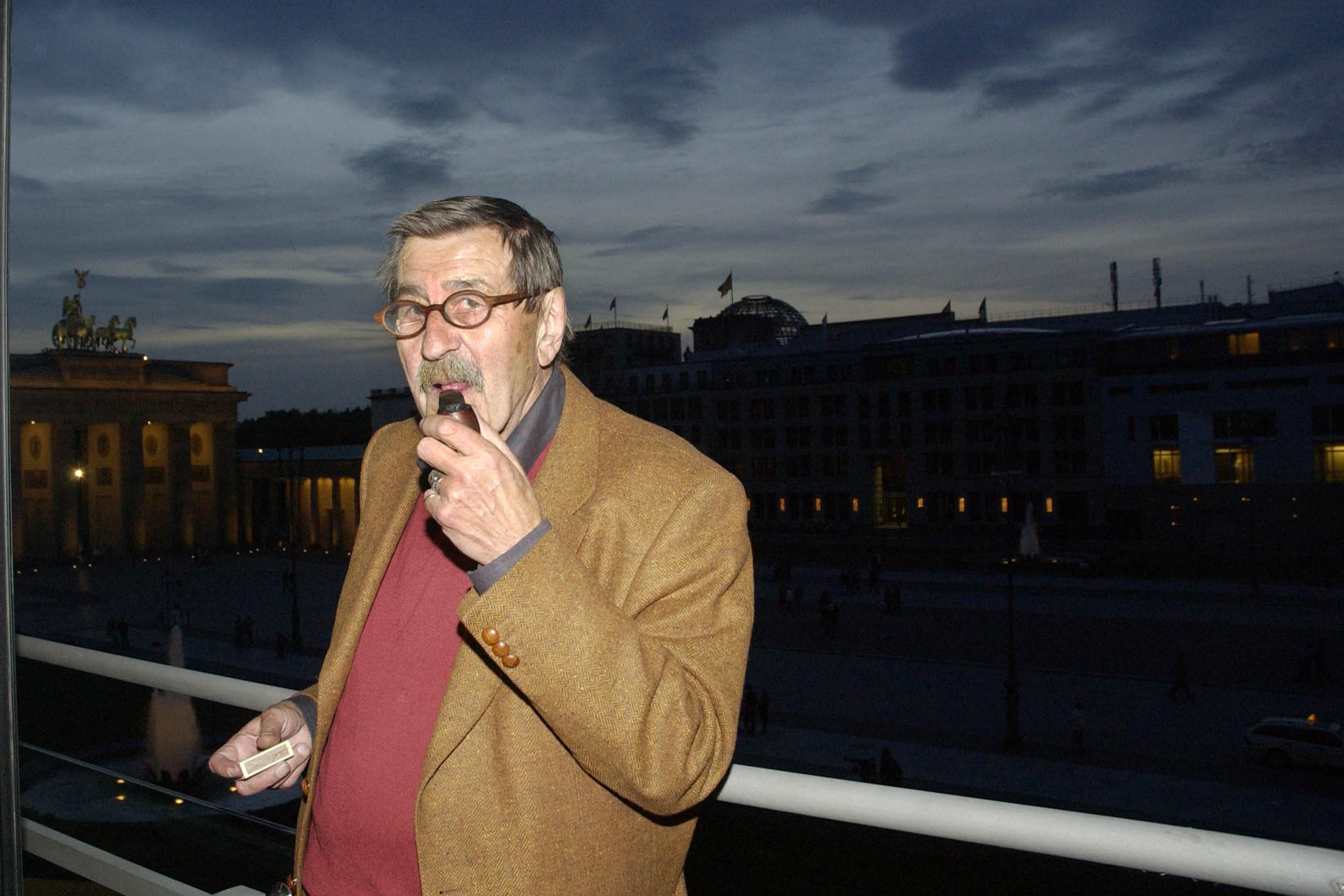 Germany, Berlin - April 13, 2015 German Nobel laureate Guenter Grass has died aged 87, Archive file dated May 2007 Keine Weit
