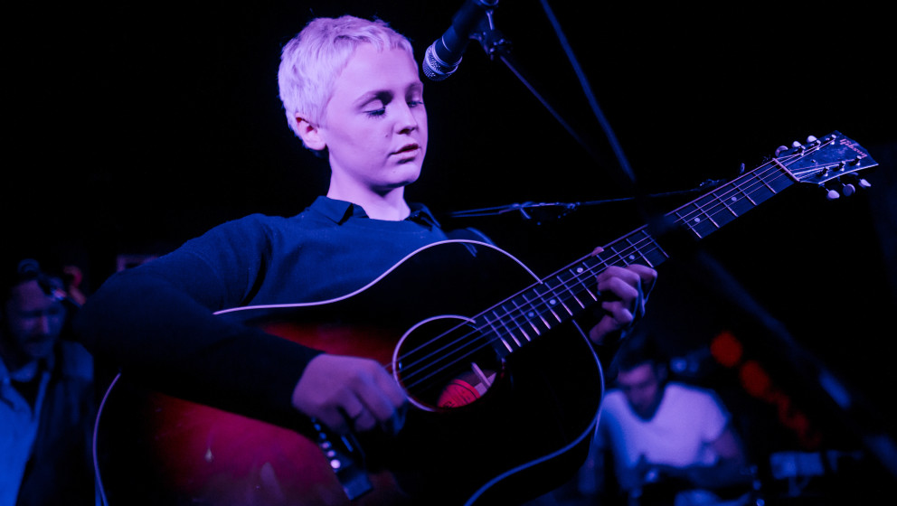 LONDON, ENGLAND - JANUARY 31:  Laura Marling performs on stage at The Silver Bullet on January 31, 2015 in London, United Kin
