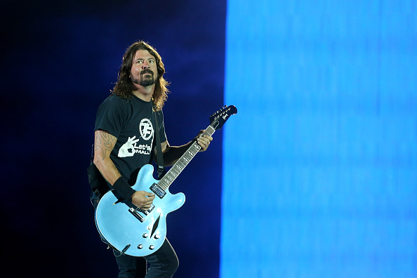 BRISBANE, AUSTRALIA - FEBRUARY 24:  Dave Grohl of the Foo Fighters performs at Suncorp Stadium on February 24, 2015 in Brisba