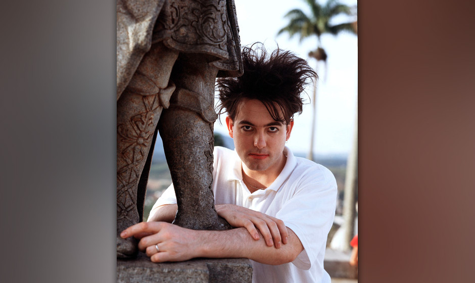 Singer Robert Smith of British band The Cure in Brazil in March 1987. (Photo by Michael Putland/Getty Images)