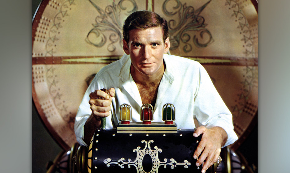 Australian actor Rod Taylor as H George Wells in a publicity still for 'The Time Machine', directed by George Pal, 1960. (Pho