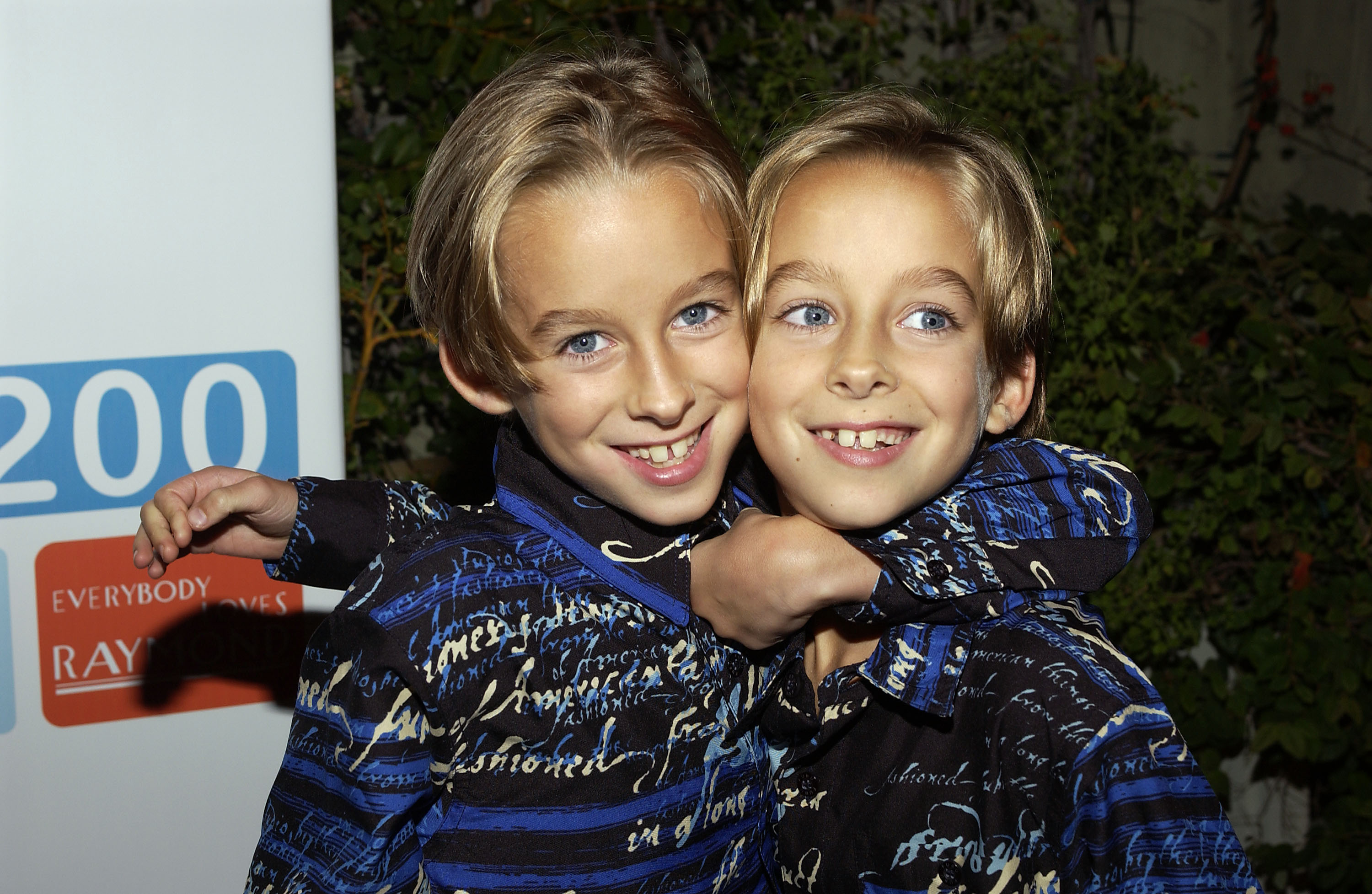 BEVERLY HILLS, CA - OCTOBER 14:  (L-R) Actors Sawyer and Sullivan Sweeten arrive at the party celebrating the 200th Episode o