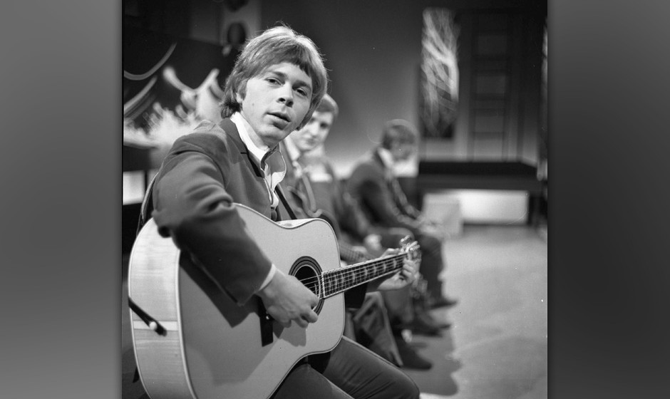 Bjorn Ulvaeus, later of Abba, with The Hootenanny Singers performing on a TV show in 1966 in Hamburg, Germany. (Photo by Gunt