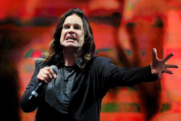 Ozzy Osbourne und Lemmy Kilmister waren enge Freunde. Nun hat Osbourne in einem Interview gesagt, dass er glaubt, dass der verstorbene Motörhead-Frontmann auf ihn aufpasst.