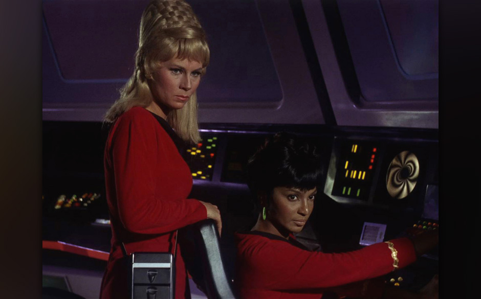 Star Trek the Original Series Season 1 Episode 1 ' The Man Trap ' Pictured: Grace Lee Whitney as Yeoman Rand and Nichelle Nic