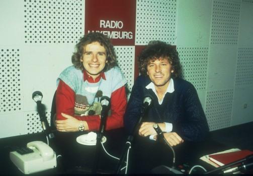 Mit Bernhard Brink bei Radio Luxemburg  (Photo by Peter Bischoff/Getty Images)