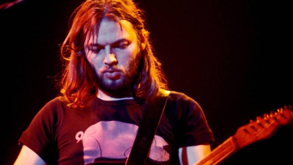 Fevrier 1977 : concert du groupe de rock Pink Floyd au pavillon de Paris : le guitariste et chanteur David Gilmour. ©Effigie