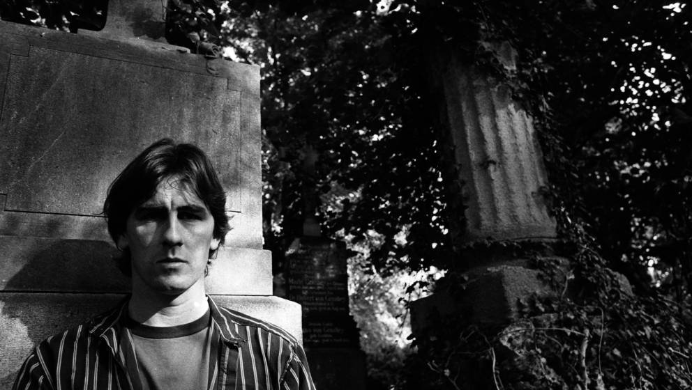 Robert Forster of the Go-Betweens, portrait, Germany, 1990. (Photo by Martyn Goodacre/Getty Images)