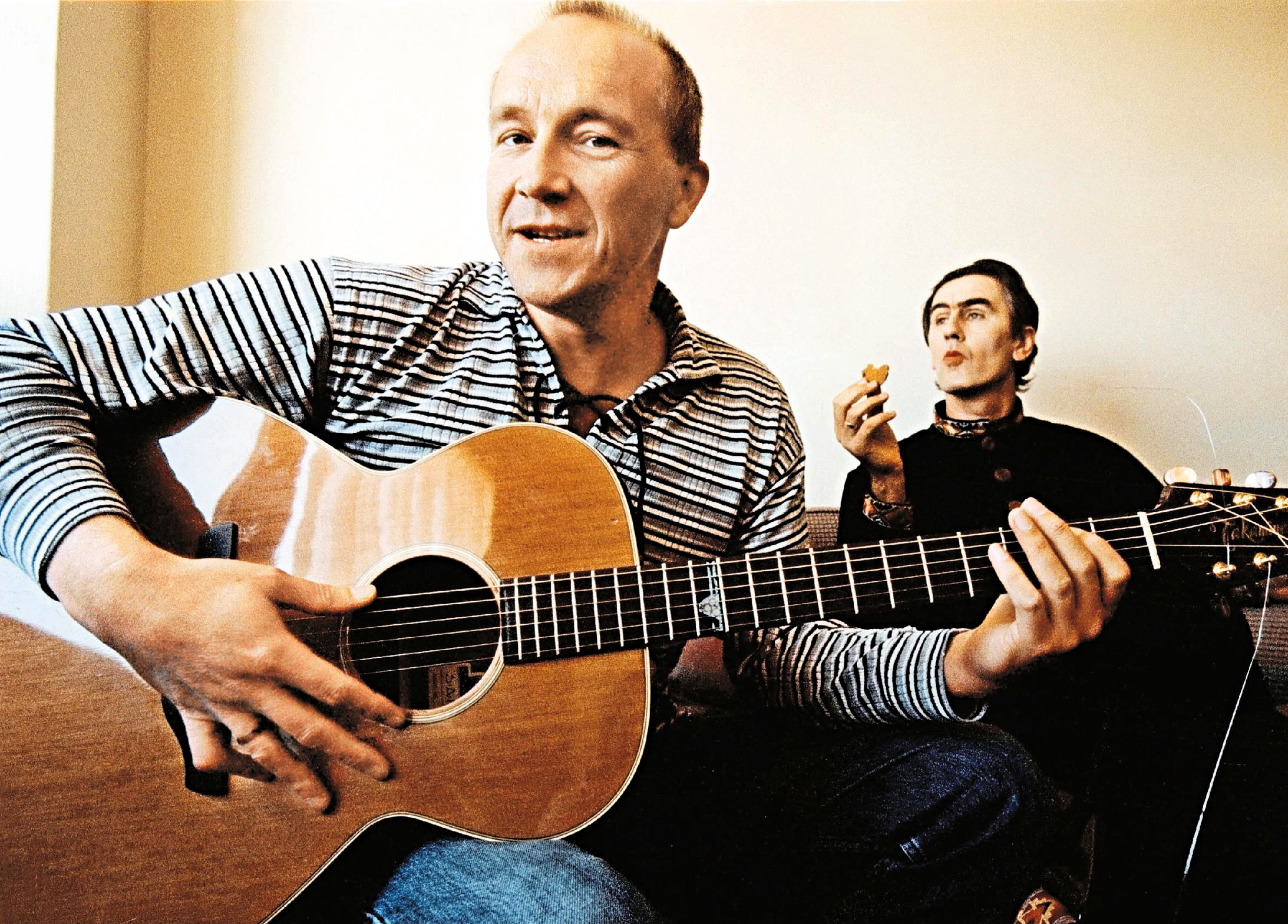 (AUSTRALIA & NEW ZEALAND OUT) Grant McLennan and Robert Forster of The Go-Betweens, 15 September 2000. SMH Picture by EDW