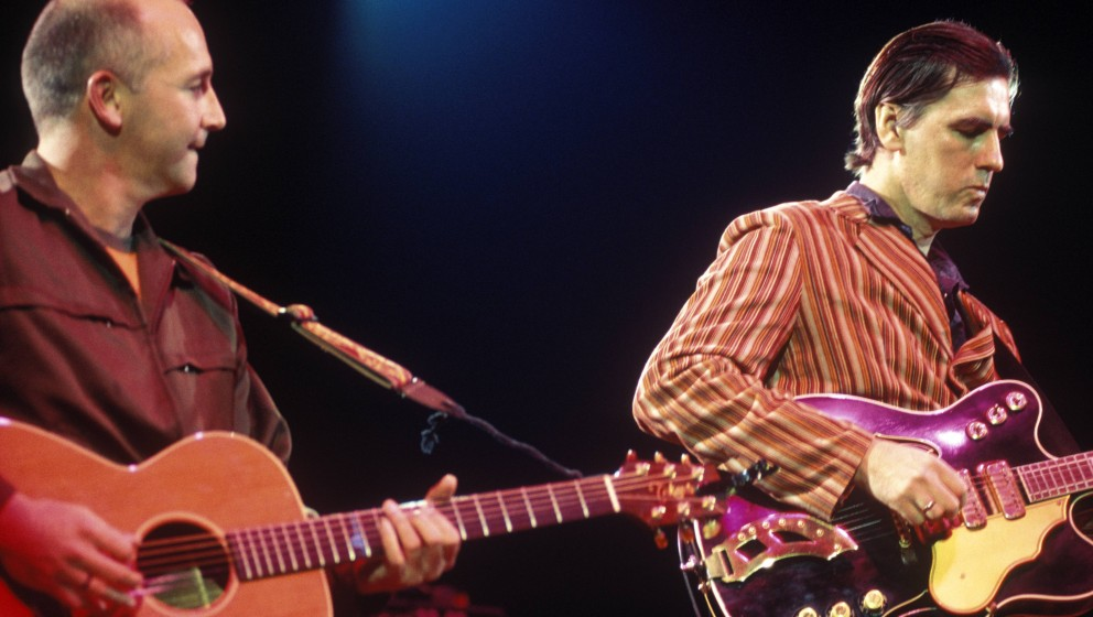 UNITED KINGDOM - JANUARY 01:  SHEPHERD'S BUSH EMPIRE  Photo of Robert FORSTER and Grant McLENNAN and GO-BETWEENS, Grant McLen