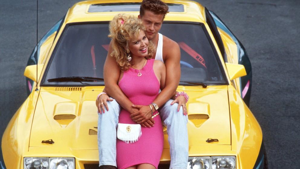 Schauspielerin Tina Ruland mit ihrem Kollegen Til Schweiger in der Komödie 'Manta, Manta' (1991).