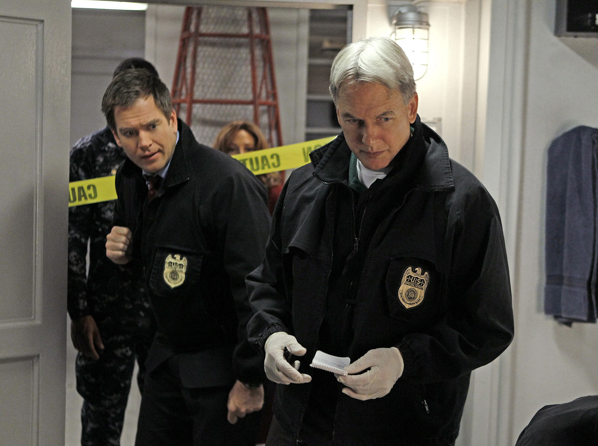 Image #: 13346446    'A Man Walks Into A Bar...' -- The NCIS team undergoes mandatory psych evaluations while investigating t