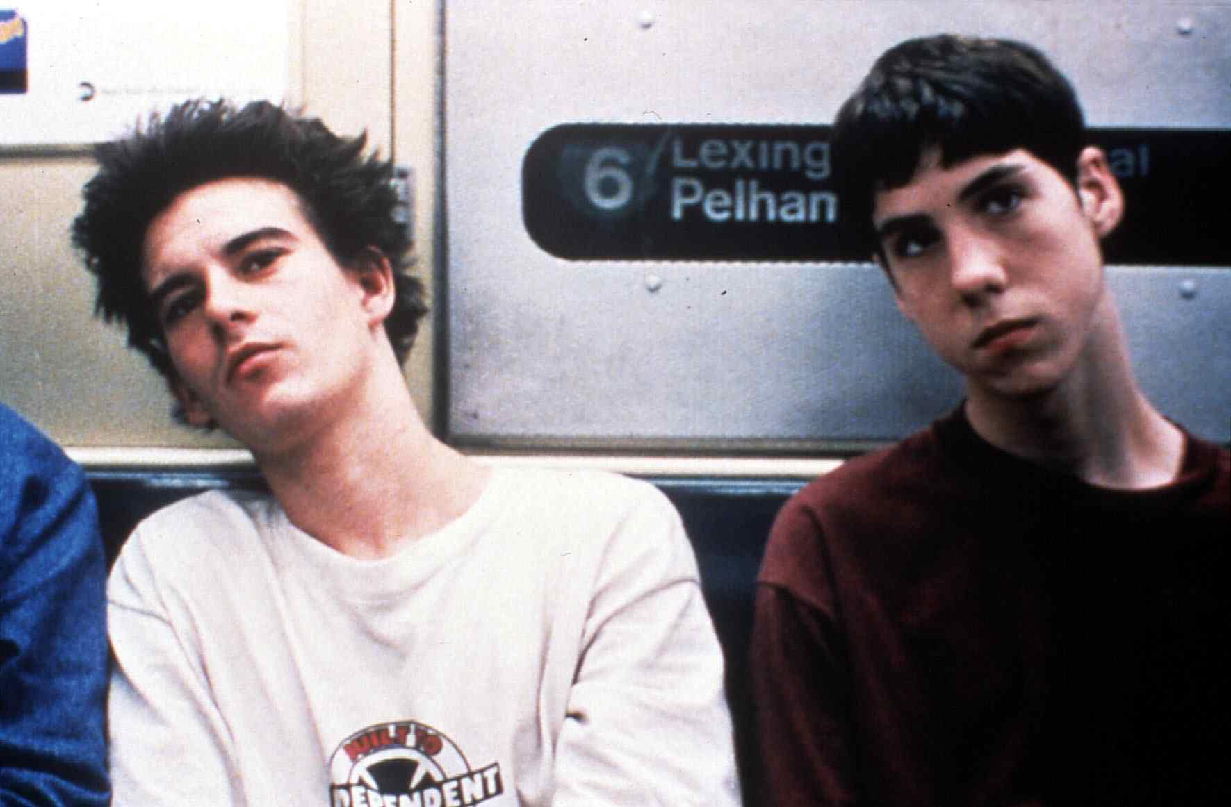 Kids  (1995) Justin Pierce, Leo Fitzpatrick   Eine New Yorker Teenie-Gang schlaegt sich durch ein Leben voller Drogen und Gew