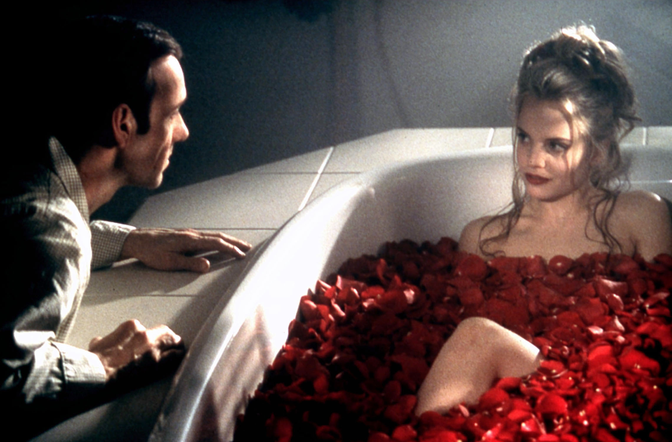 AMERICAN BEAUTY [US 1999]  KEVIN SPACEY, MENA SUVARI     Date: 1999 (Mary Evans Picture Library) Keine Weitergabe an Drittver