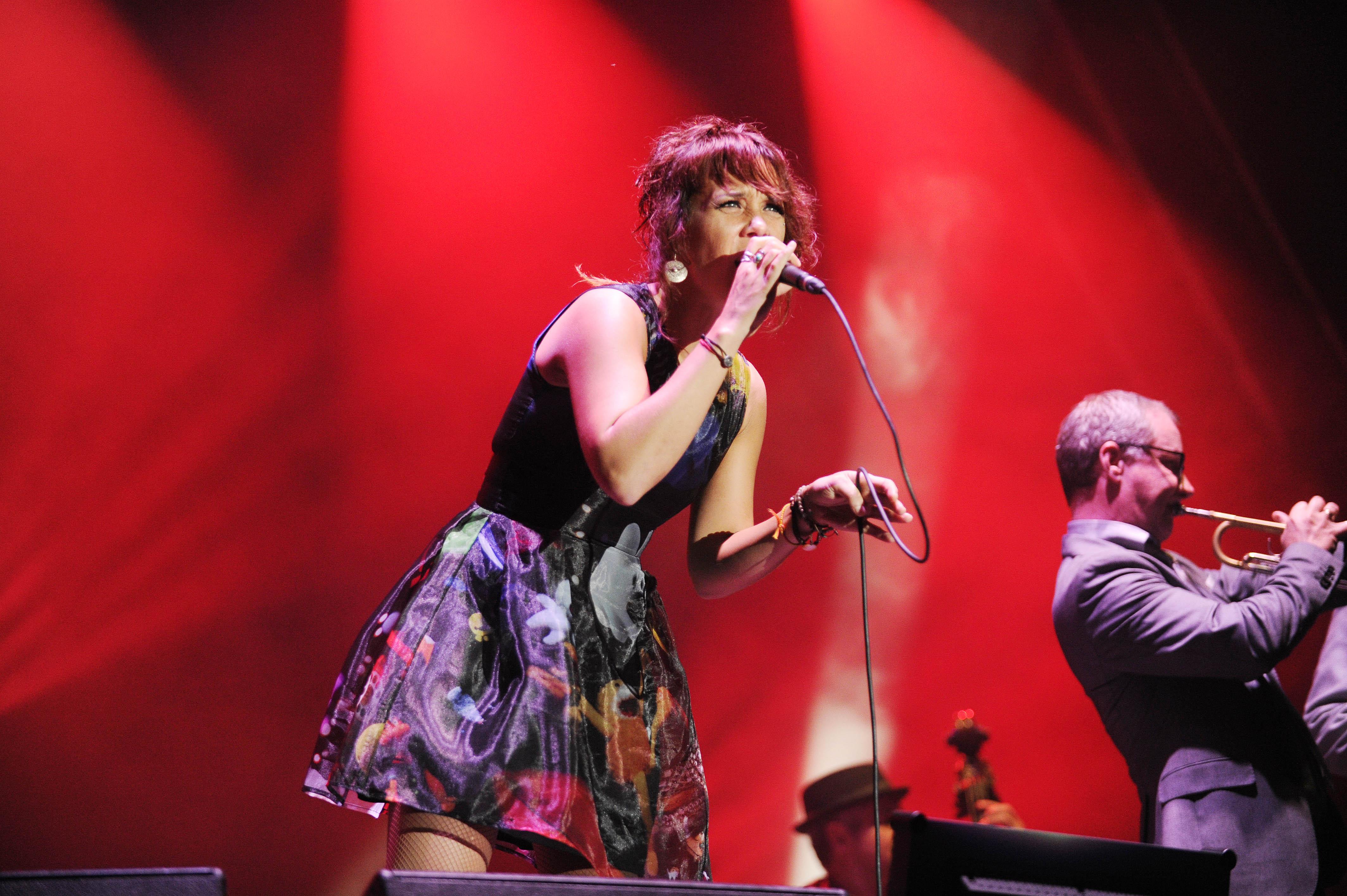 Zaz, buergerlich Isabelle Geffroy - die franzoesische Nouvelle-Chanson-Saengerin und Liedtexterin live beim A Summer´s Tal