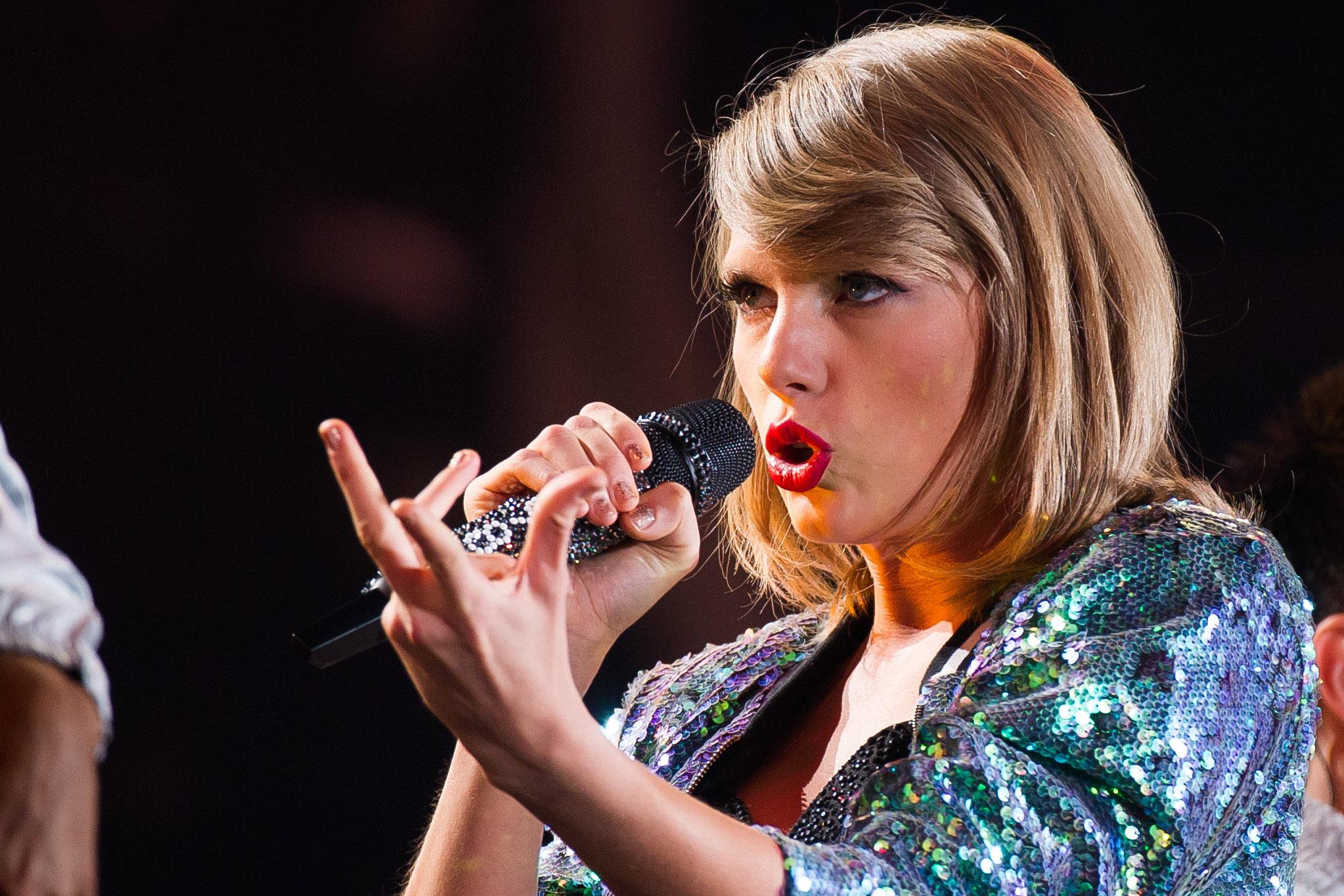 Bei einem Konzert von Taylor Swift fiel ein 13-Jähriger von der Tribüne